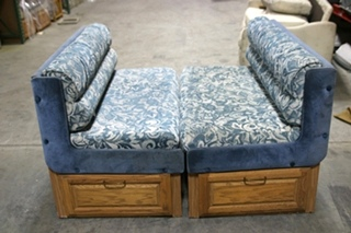 USED RV/MOTORHOME BLUE FLORAL CLOTH DINETTE BOOTH AND TABLE