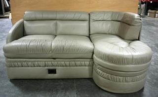 RV J - Lounges